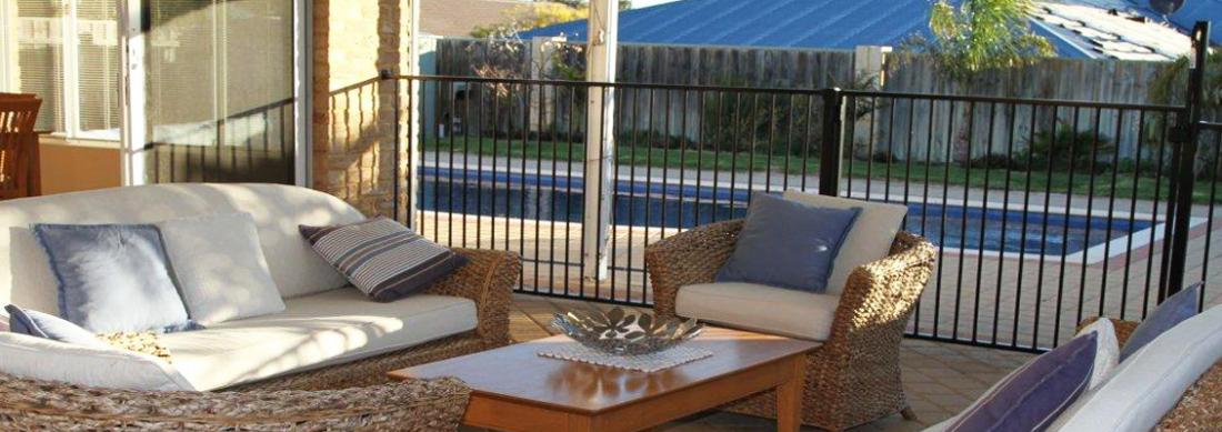 Simply_Heaven_Holiday_Accommodation_Perth_Castaway_alfresco2_web