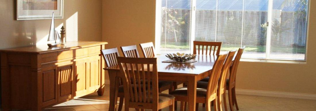 Simply_Heaven_Holiday_Accommodation_Perth_Castaway_dining_area_web
