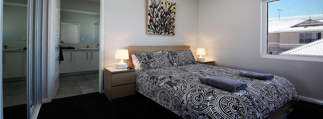 HARBOURVIEWBEDROOMTWOWITHENSUITE2
