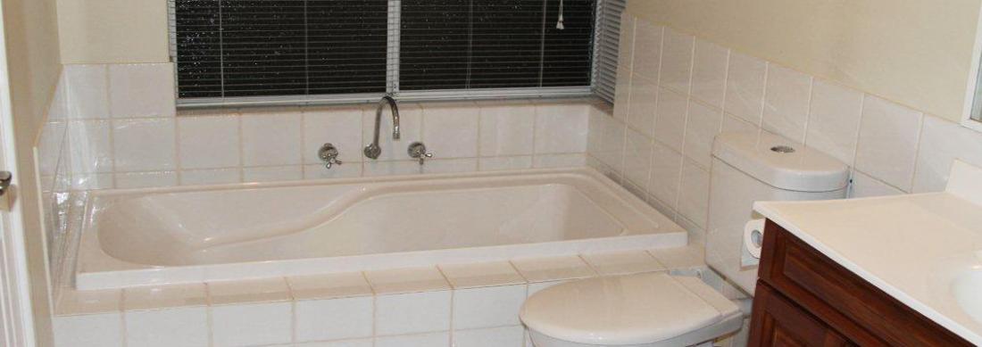 Simply_Heaven_Holiday_Accommodation_Perth_Castaway_bathroom_web